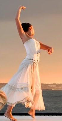 ladies in white dancing_pexels-photo-175658 (2)