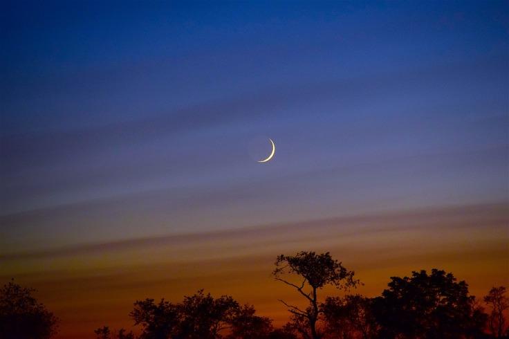 moon crescent sunset -2682274_960_720_pixabay